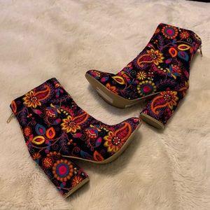 NWT Naughty Monkey boots